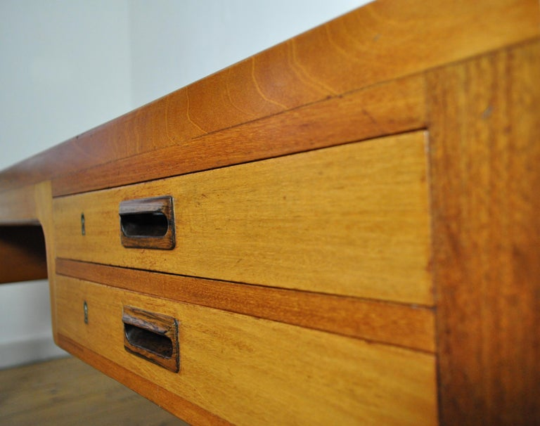 Scandinavian Modern Mahogany Desk by Ejnar Larsen and Aksel Bender Madsen For Sale 3