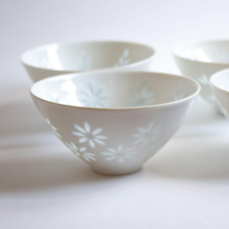 Porcelain Scandinavian Modern Rice Grain Bowls by Friedl Holzer-Kjellberg, Arabia For Sale