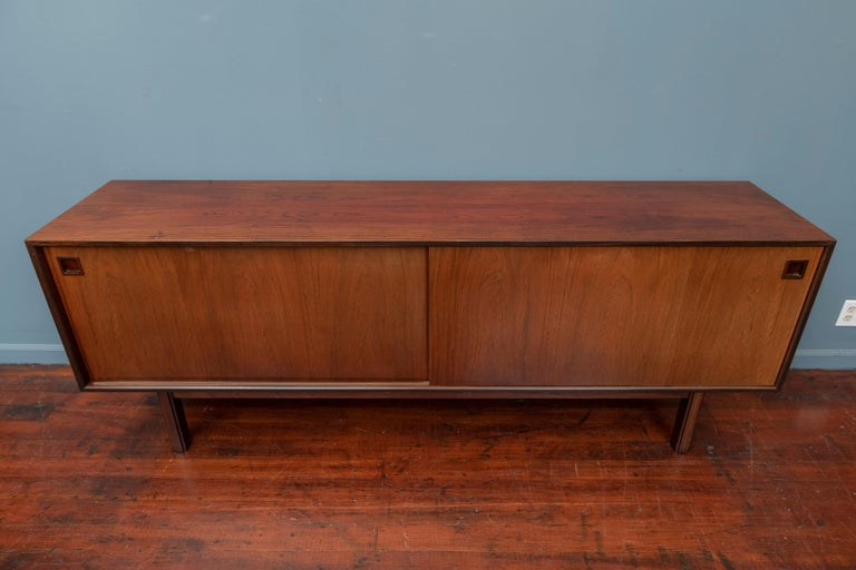 Scandinavian Modern Rosewood Credenza by Gunni Omann, Model 21 For Sale 6