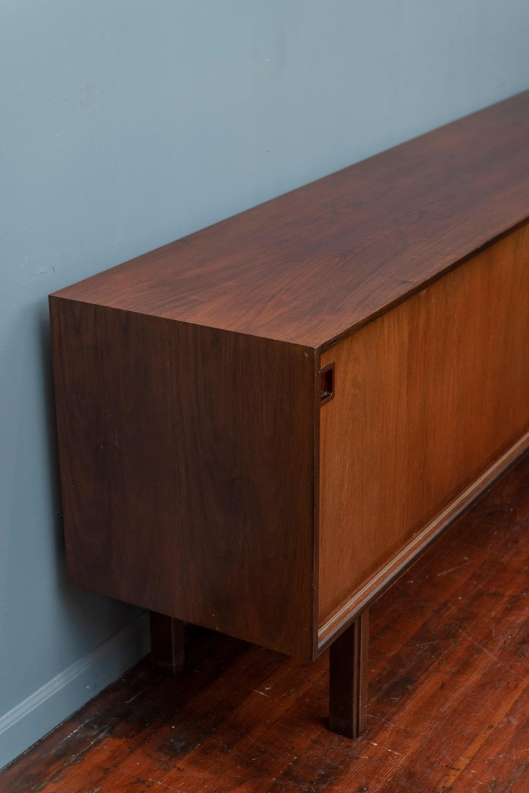 Scandinavian Modern Rosewood Credenza by Gunni Omann, Model 21 For Sale 4