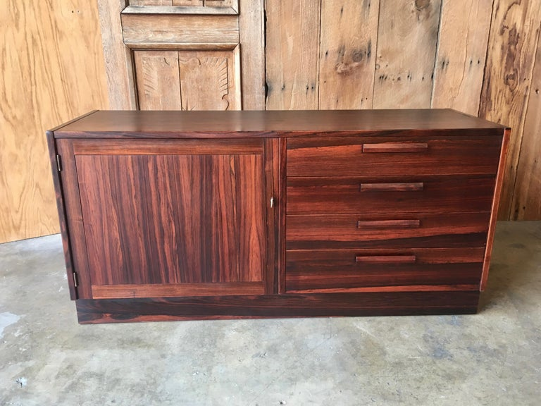 Scandinavian Modern Rosewood Credenza In Good Condition For Sale In Laguna Hills, CA