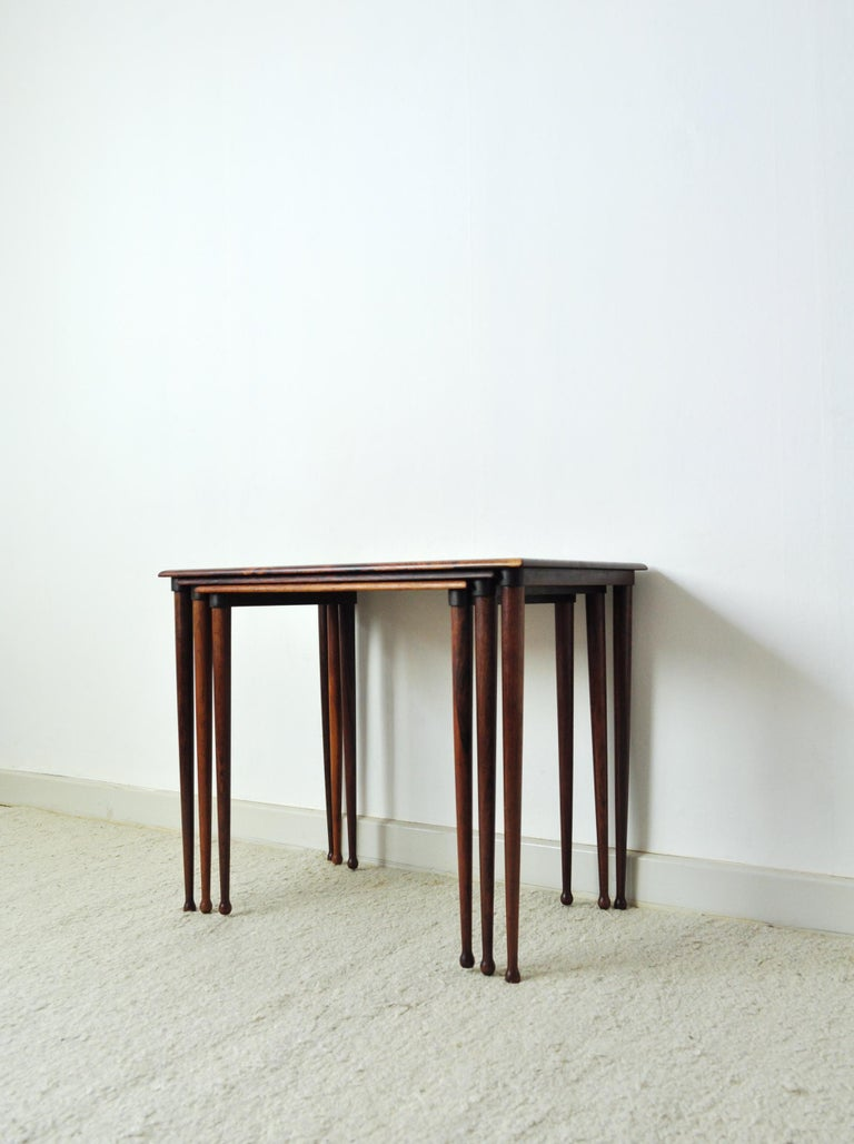 Danish Scandinavian Modern Rosewood Nesting Tables with Drumstick Legs For Sale