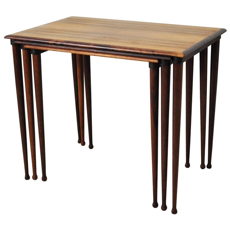 Scandinavian Modern Rosewood Nesting Tables with Drumstick Legs For Sale