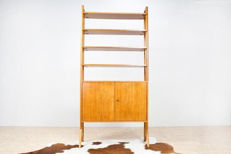 Scandinavian Modern Shelving Unit or Wall System in Oak Freestanding, 1950s For Sale 2