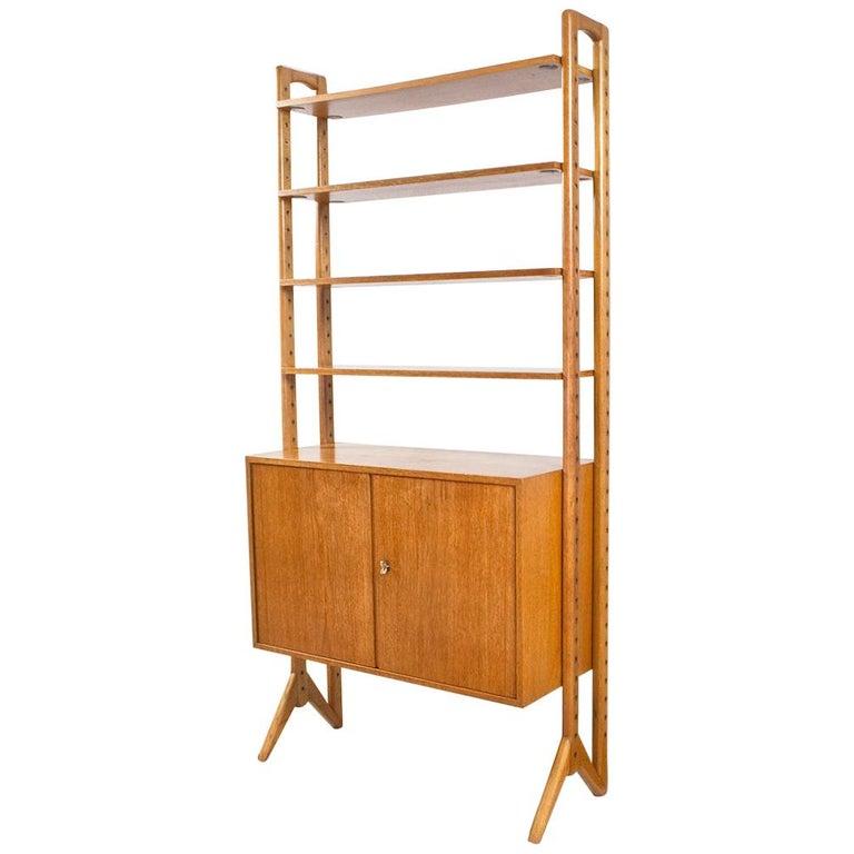 Scandinavian Modern Shelving Unit or Wall System in Oak Freestanding, 1950s For Sale