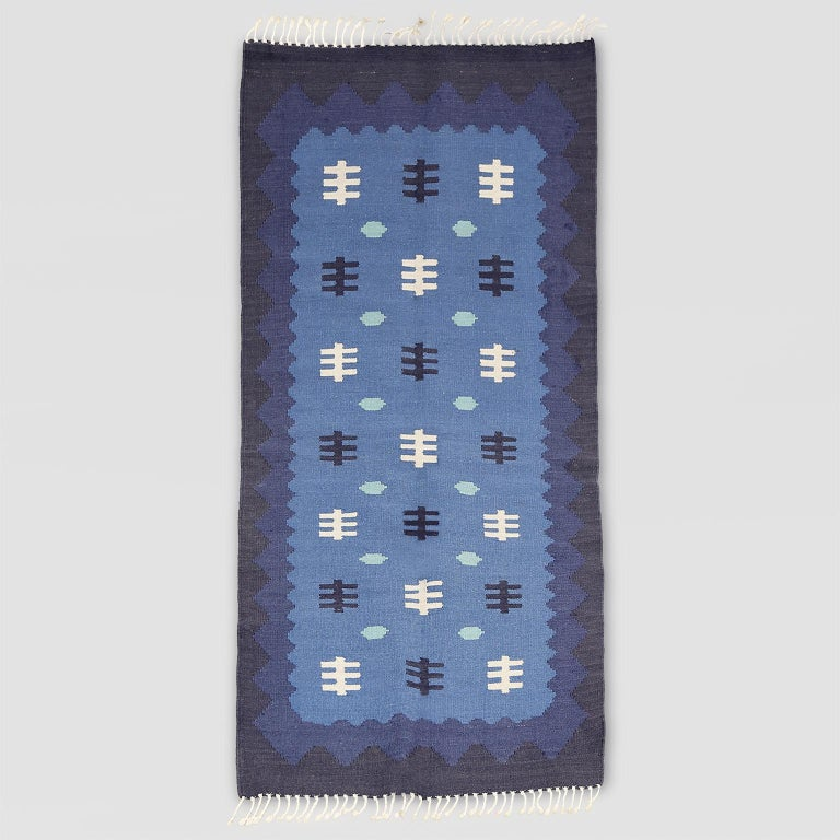 Scandinavian Modern, Swedish Wool Flat-Weave Rug in Blues, Rollakan In Good Condition For Sale In New York, NY