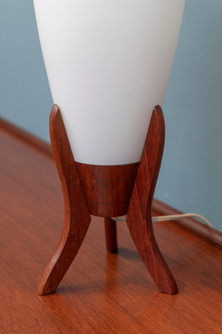 Scandinavian Modern Table Lamps In Good Condition For Sale In San Francisco, CA