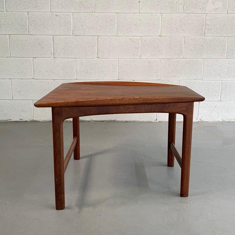20th Century Scandinavian Modern Tapered Teak Side Table by Folke Ohlsson for DUX For Sale