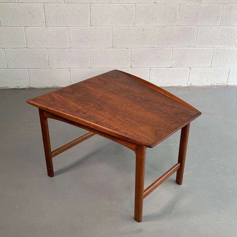 Scandinavian Modern Tapered Teak Side Table by Folke Ohlsson for DUX For Sale 3