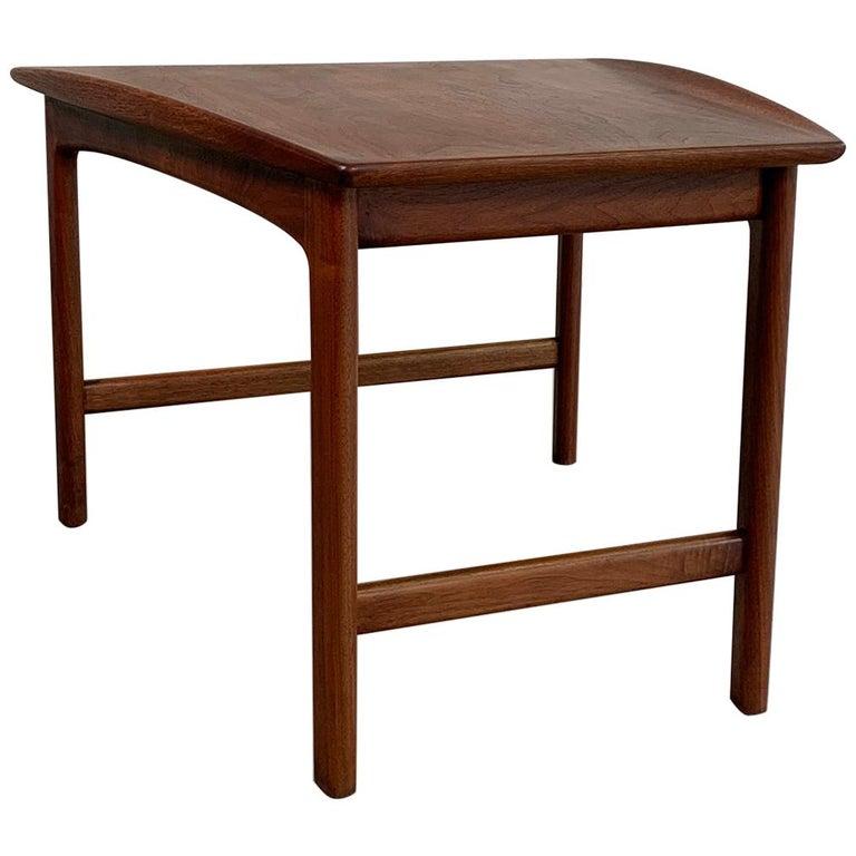 Scandinavian Modern Tapered Teak Side Table by Folke Ohlsson for DUX For Sale