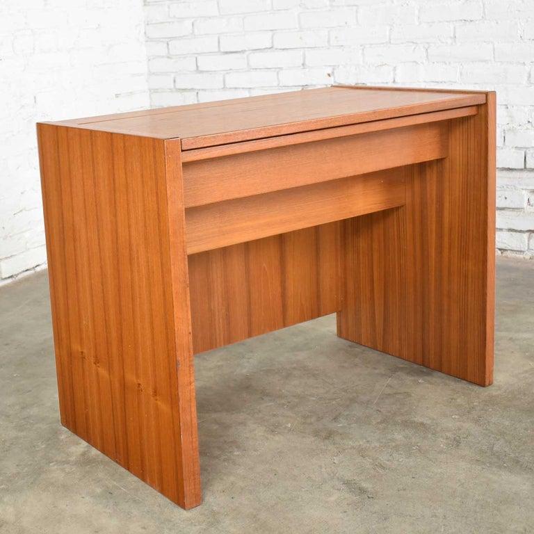 Scandinavian Modern Teak Flip Open Make Up Vanity w/ Mirror Jesper International For Sale 9
