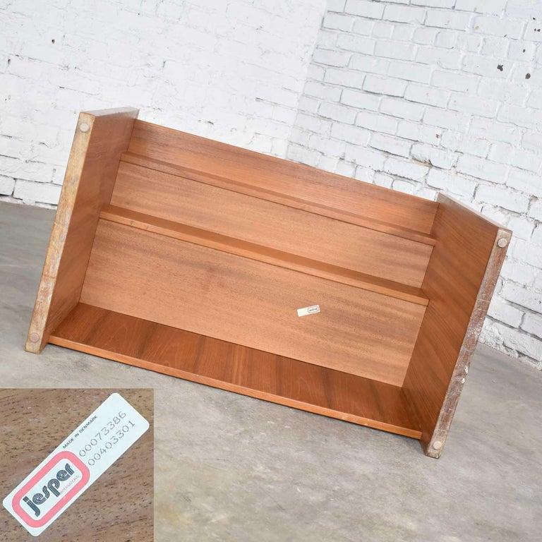 Scandinavian Modern Teak Flip Open Make Up Vanity w/ Mirror Jesper International For Sale 12
