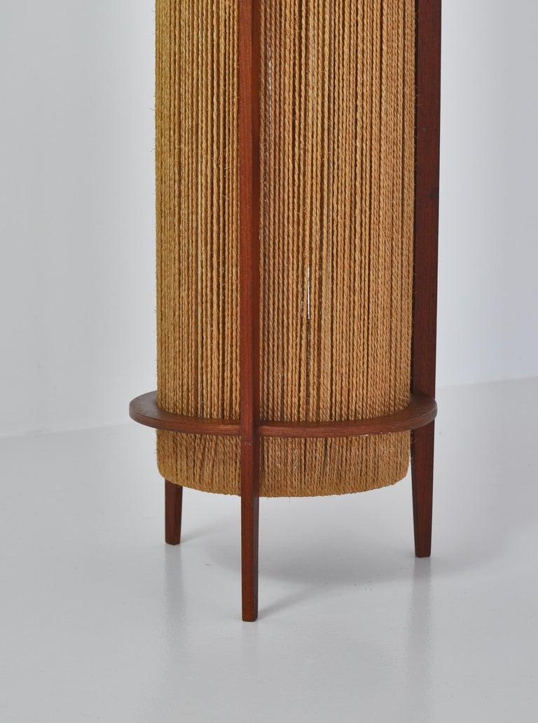 Scandinavian Modern Teak Floor Lamp by Ib Fabiansen for Fog & Mørup, 1960s In Good Condition For Sale In Odense, DK