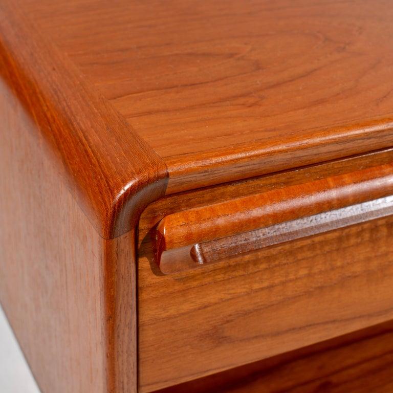 Scandinavian Modern Teak Nightstands with Storage Drawers For Sale 5