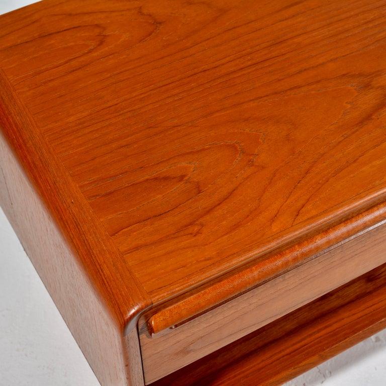 Scandinavian Modern Teak Nightstands with Storage Drawers For Sale 6