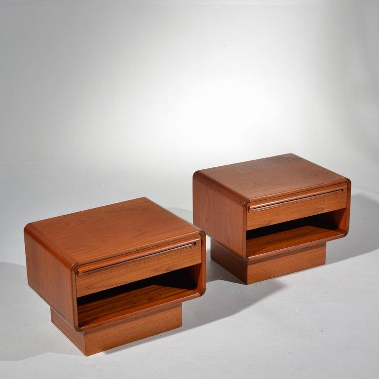 Scandinavian Modern Teak Nightstands with Storage Drawers For Sale 7
