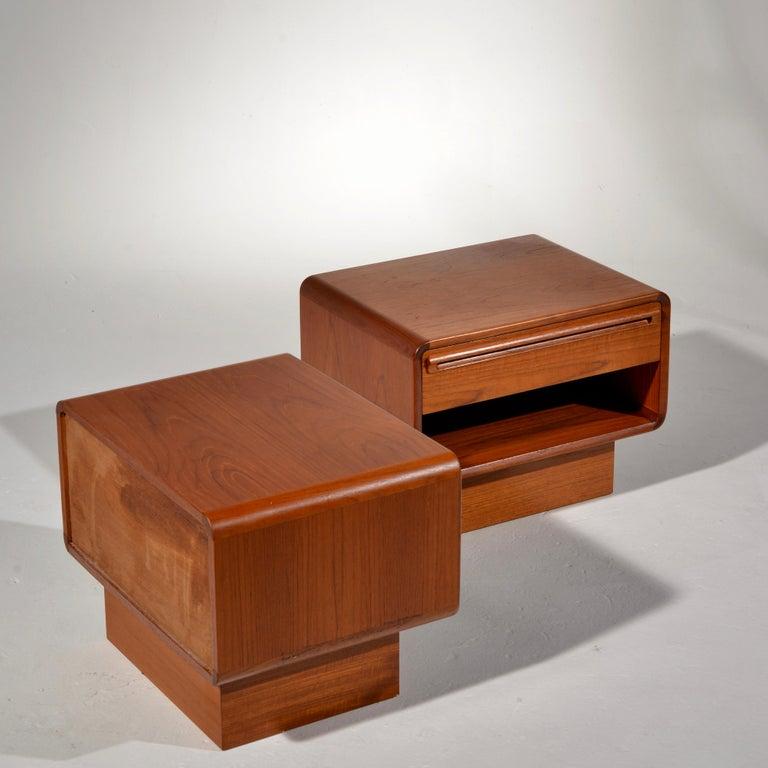 Scandinavian Modern Teak Nightstands with Storage Drawers For Sale 8