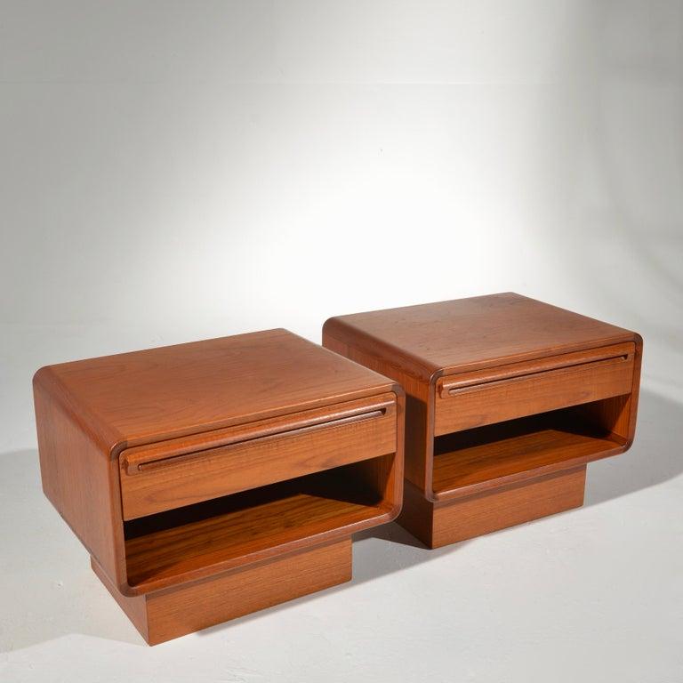 Scandinavian Modern Teak Nightstands with Storage Drawers For Sale 1