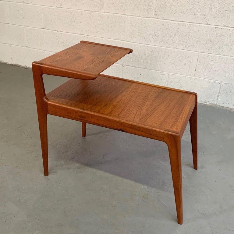 Scandinavian Modern Teak Stepped Side Table In Good Condition For Sale In Brooklyn, NY