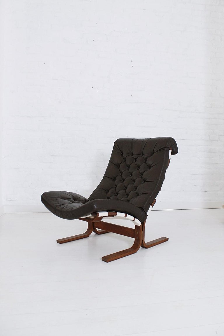 Scandinavian Modern Tufted Leather Lounge Chair, 1970 For Sale 4