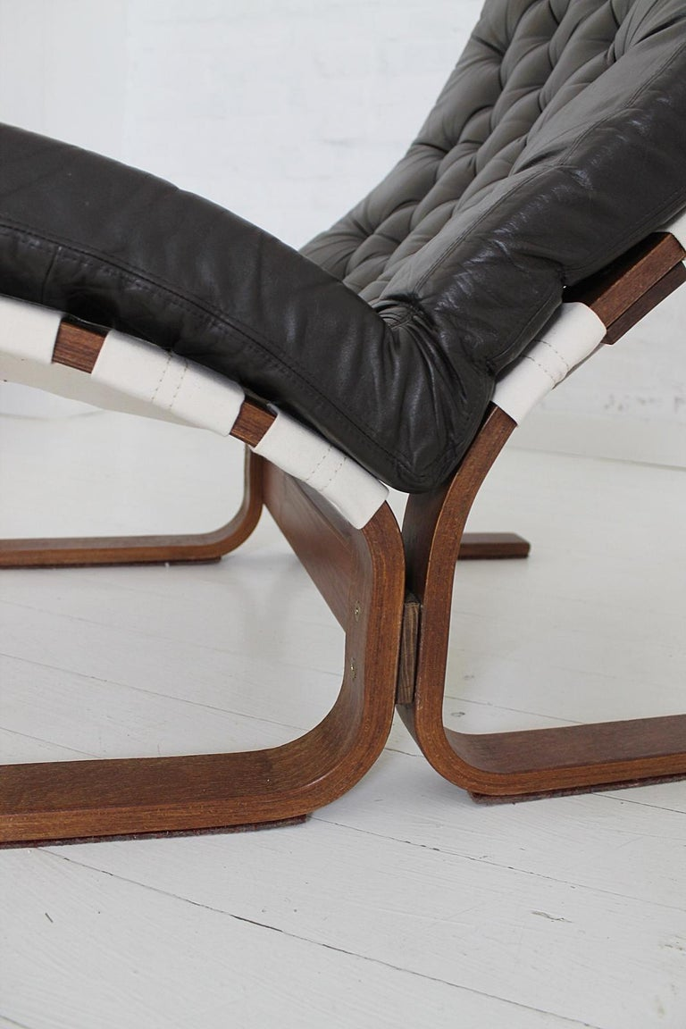 Scandinavian Modern Tufted Leather Lounge Chair, 1970 For Sale 5