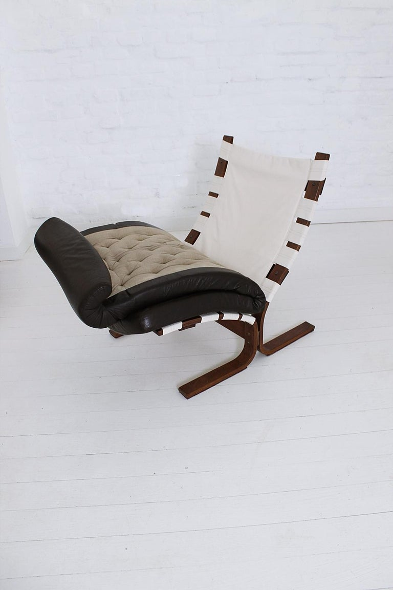 Scandinavian Modern Tufted Leather Lounge Chair, 1970 For Sale 6