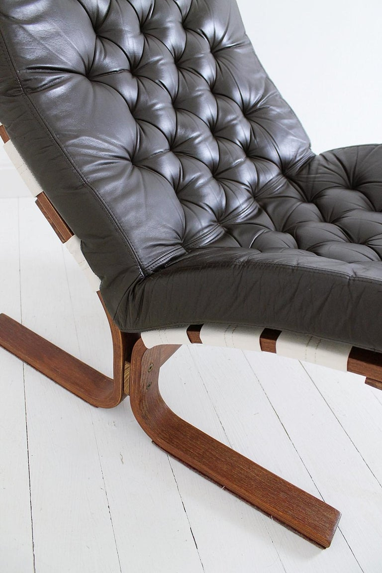Scandinavian Modern Tufted Leather Lounge Chair, 1970 For Sale 12