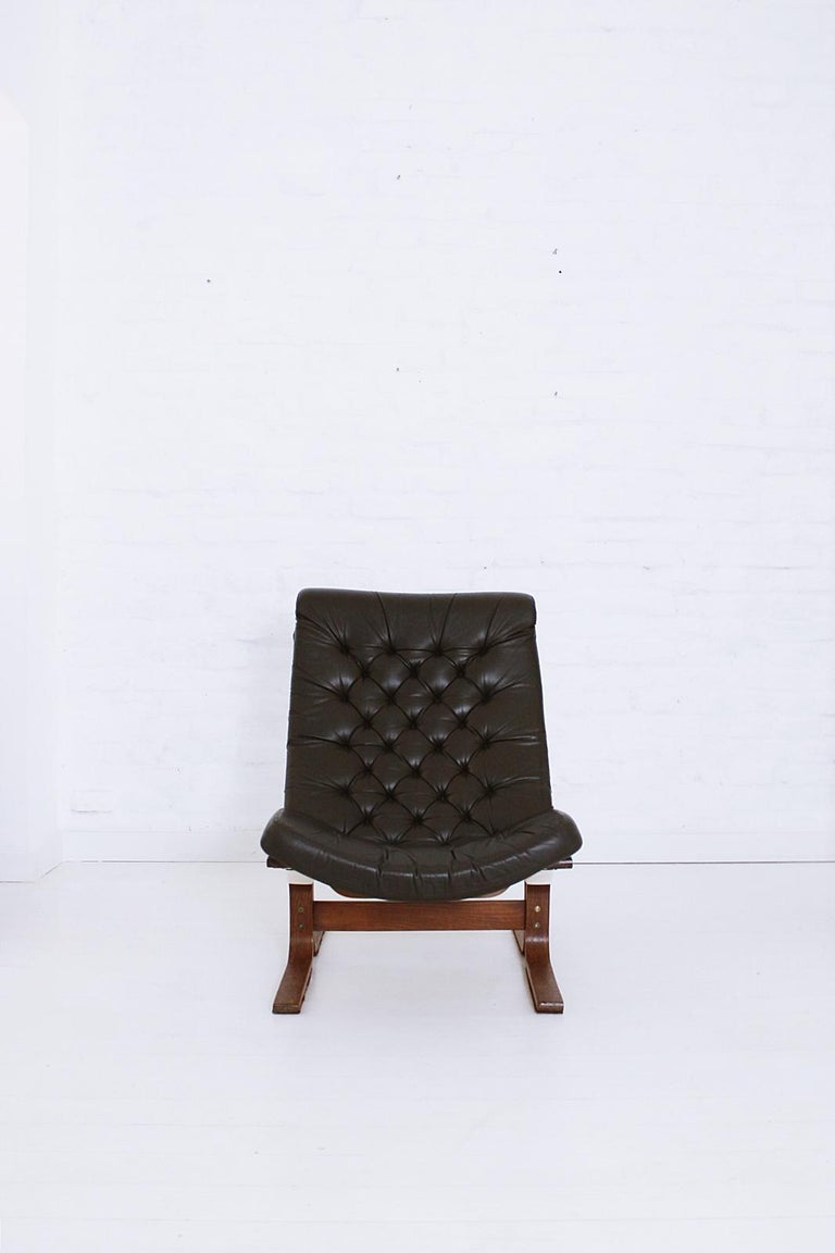European Scandinavian Modern Tufted Leather Lounge Chair, 1970 For Sale