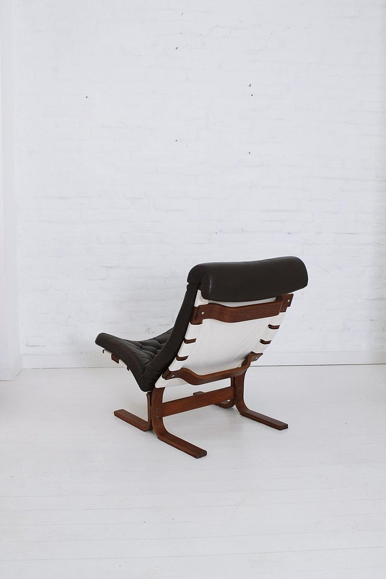 Scandinavian Modern Tufted Leather Lounge Chair, 1970 For Sale 2
