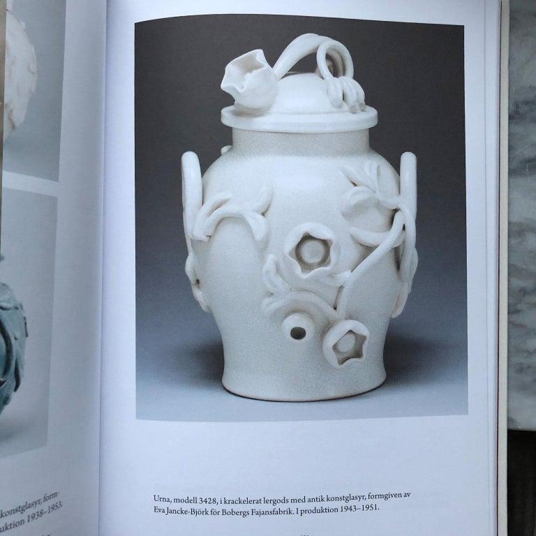 Scandinavian Modern Urn in by Eva Jancke Björk, Bobergs Faiance Pottery, Sweden In Good Condition For Sale In Stockholm, SE
