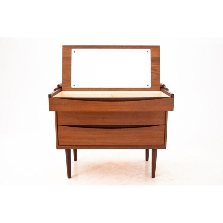 Rosewood vanity designed by Arne Vodder, one of the finest Danish modern furniture designers. 
