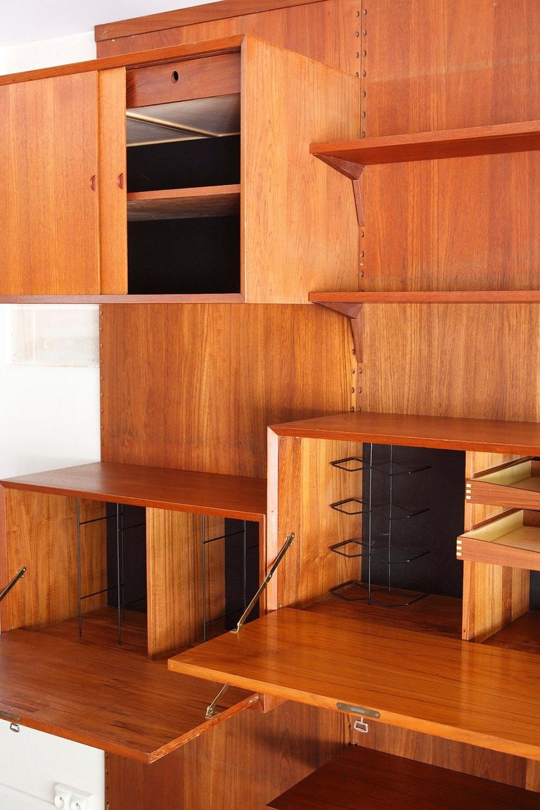 Scandinavian Modular Wall Unit by Poul Cadovius For Sale 1
