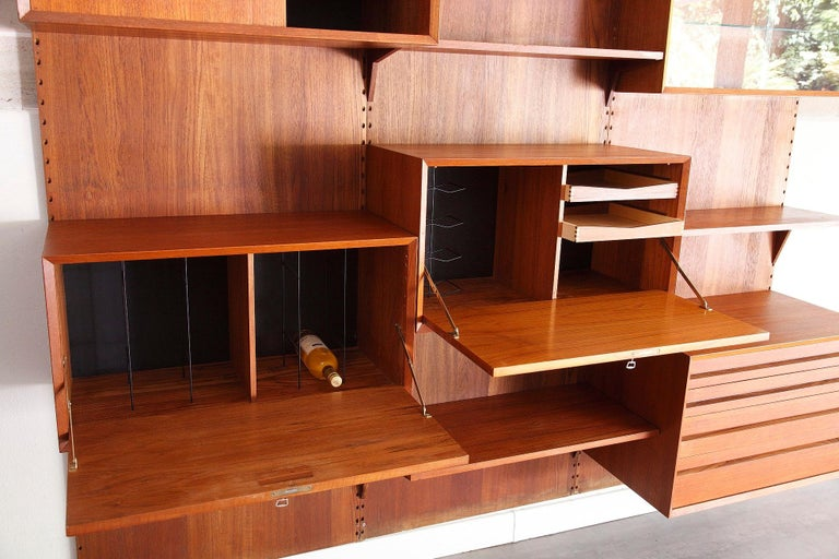 Scandinavian Modular Wall Unit by Poul Cadovius For Sale 2