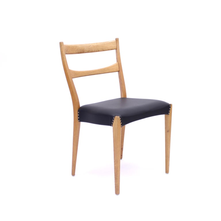 Scandinavian Oak Dining Chairs with Black Leather Seats, 1950s For Sale 5