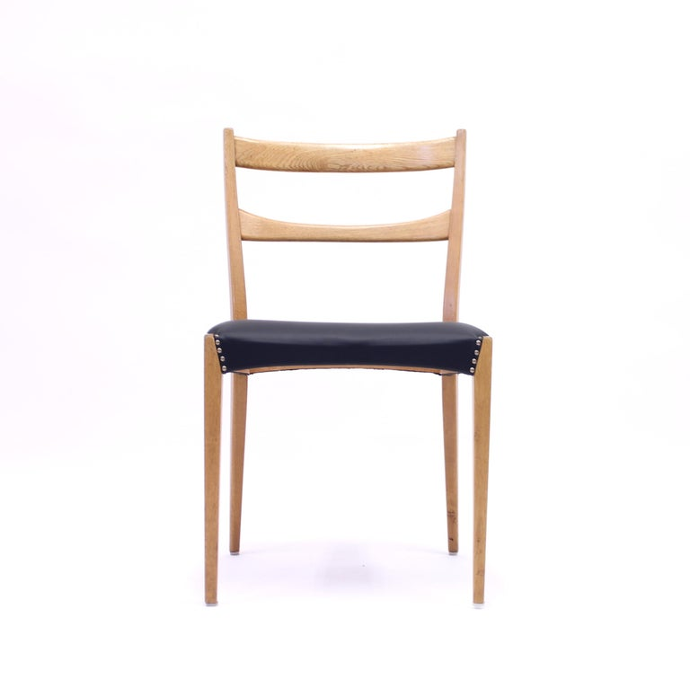 Scandinavian Oak Dining Chairs with Black Leather Seats, 1950s For Sale 7