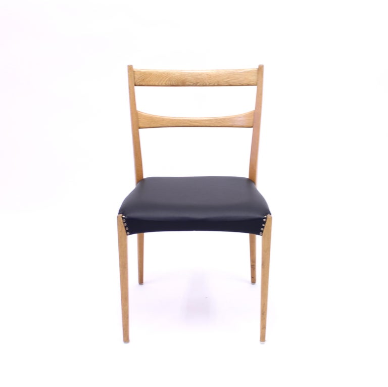 Scandinavian Oak Dining Chairs with Black Leather Seats, 1950s For Sale 8