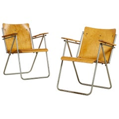 Scandinavian Pair of Folding Chairs in Molded Birch Wood, 1940s