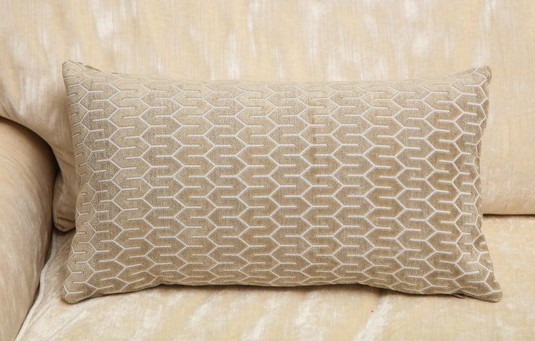 Scandinavian Modern Scandinavian Pair of Modern Rectangular Velvet White/Silver/Cream Pillows For Sale