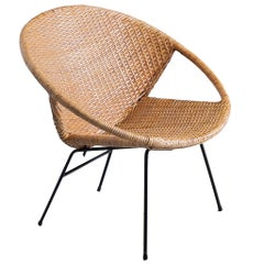 Scandinavian Round Lounge Chair in Wicker