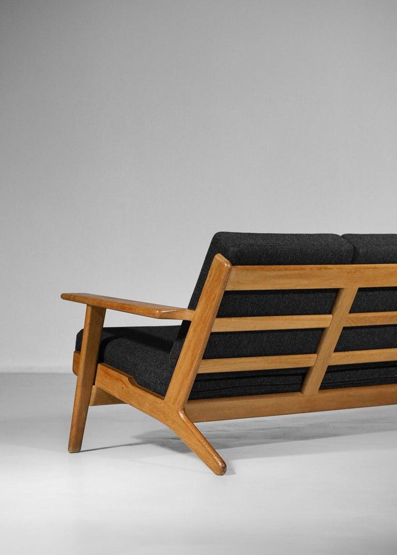 Scandinavian Sofa GE 290 Danish Designer Hans Wegner for GETAMA For Sale 7