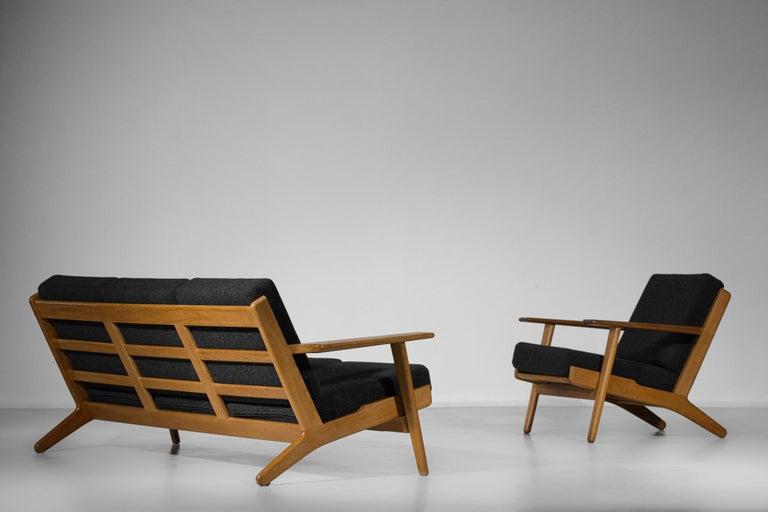 Scandinavian Sofa GE 290 Danish Designer Hans Wegner for GETAMA For Sale 12