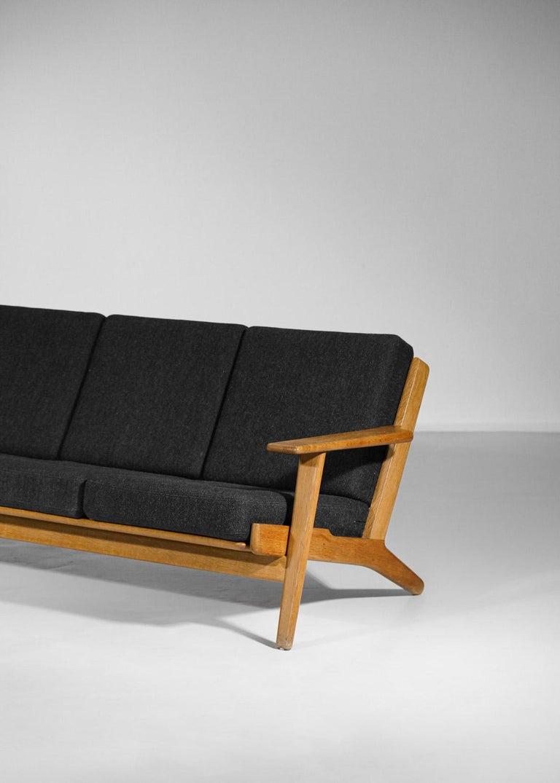 Mid-Century Modern Scandinavian Sofa GE 290 Danish Designer Hans Wegner for GETAMA For Sale