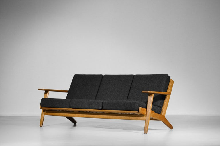 Mid-20th Century Scandinavian Sofa GE 290 Danish Designer Hans Wegner for GETAMA For Sale