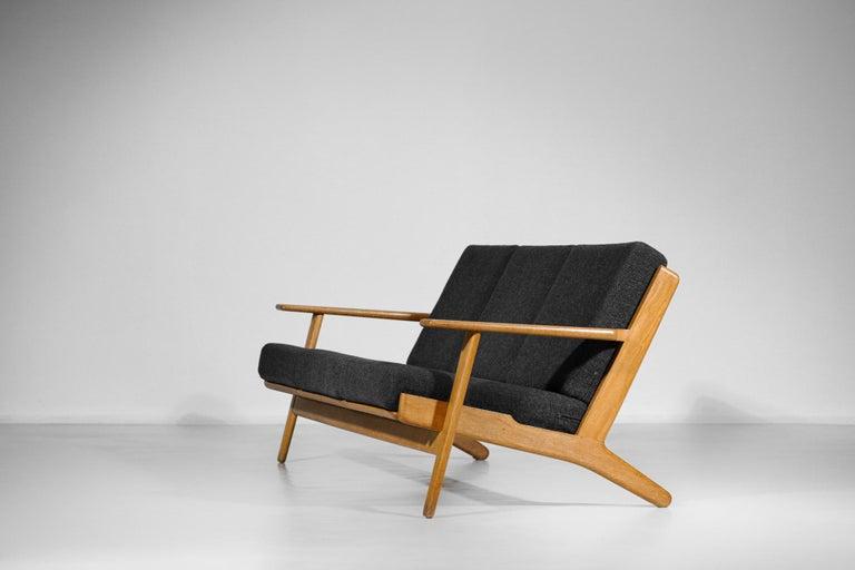 Scandinavian Sofa GE 290 Danish Designer Hans Wegner for GETAMA For Sale 2
