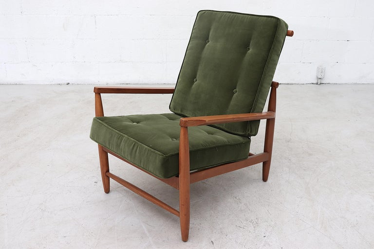 Mid-20th Century Scandinavian Spindle Back Lounge Chair For Sale
