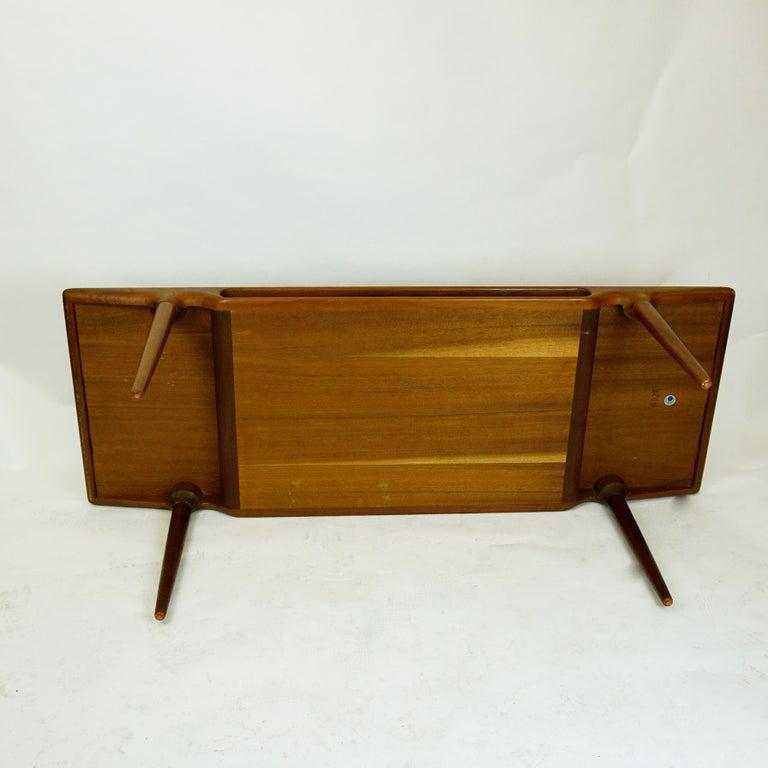 Danish Scandinavian Teak Coffee Table Mod. 240 by Johannes Andersen for CFC Silkeborg For Sale