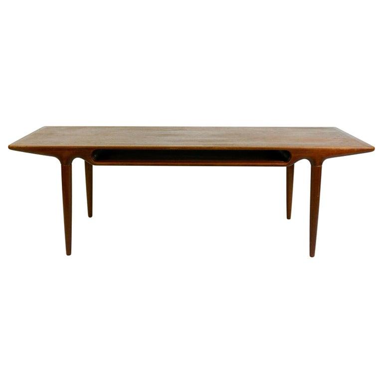 Scandinavian Teak Coffee Table Mod. 240 by Johannes Andersen for CFC Silkeborg For Sale