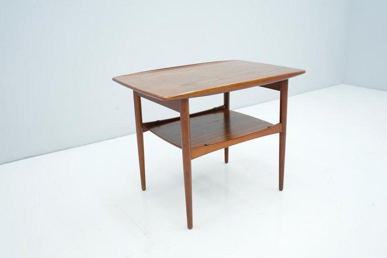 Scandinavian Teak Side Table, 1960s For Sale 1