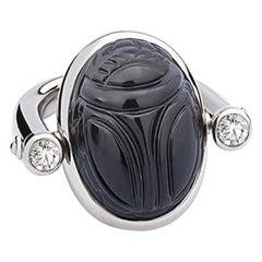 Scarab Ring, 18 Karat White Gold, 1 Onyx 22.40 Carat 2 Diamonds 0.49 Carat tw/si