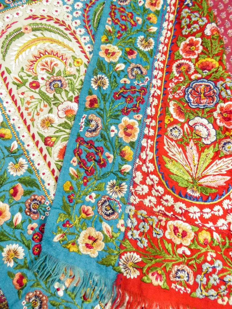 Scarf in Embroidered Pashmina - India for Europe Circa 1830/1860 For Sale 10